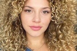 Voluminous Curls for Medium Hair You Must Try in 2020