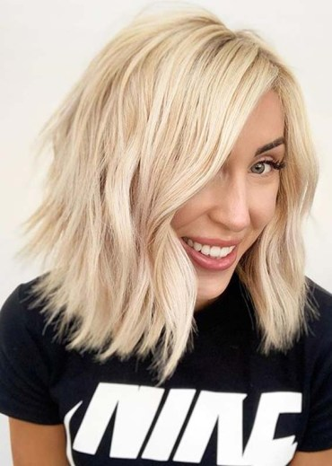 Cutest Blonde Lob Haircut Styles to Try in Year 2020