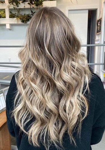 Beautiful Bronde Hair Colors and Hairstyles for Ladies in 2020