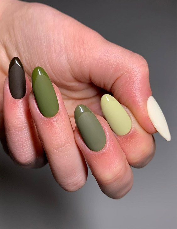 Awesome Style of Green Nails to Copy Now