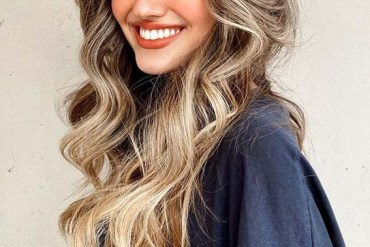 Long Hairstyles with Curtain Bangs to Follow