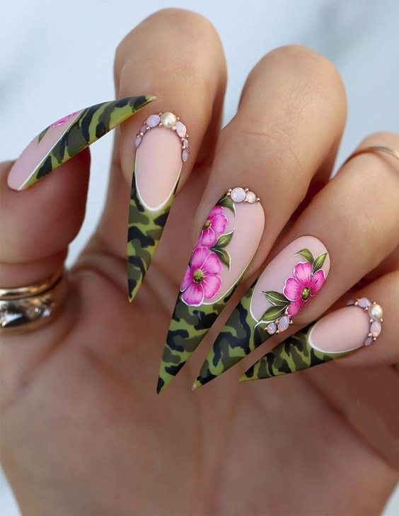 Latest & Edgy Nails Style for Next Event