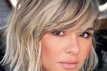 Stunning Medium Hair & Highlights In 2021