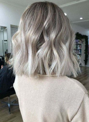 Best Short Waves Haircuts for Women