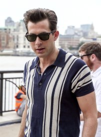 Mark-Ronson-Retro-Style-Polo-Shirt-2015-Picture