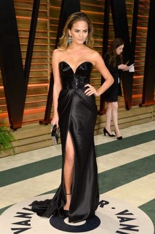 Chrissy in Naeem Khan at Vanity Fair Oscar Party Photo: Pascal le Segretain/Getty
