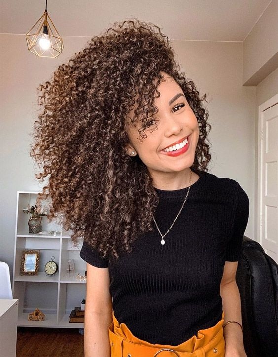 Stunning Hairstyles for Curly Hair to Update Your Look