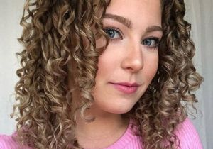 Best Look of Curly Hairstyles for Medium Hair for 2020
