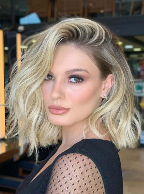 Fantastic Medium Length Blonde Haircuts for Women in 2020