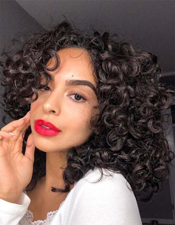 Modern Red Lipstick Style with Curly Hair for Stylish Look