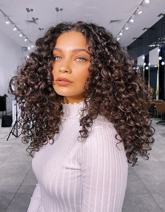 Superior Look of Shoulder Length Curly Hair for Girls