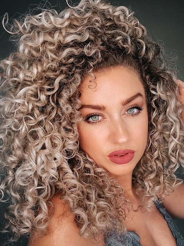 Amazing curls Styles for Long Hair to Show Off