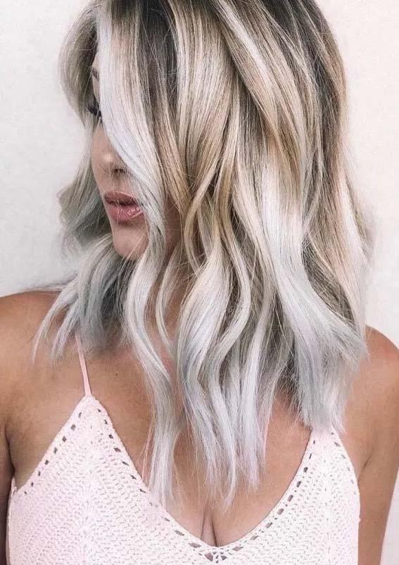 Fresh Medium to Long Blonde Hairstyles for Ladies