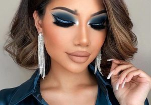 Gorgeous Makeup Look & Stylish Hair for 2021 Girls
