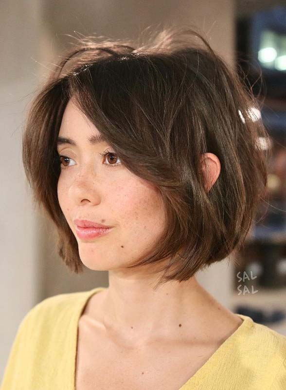 Easy Short Haircut Styles for Women to Show Off for Moder Look