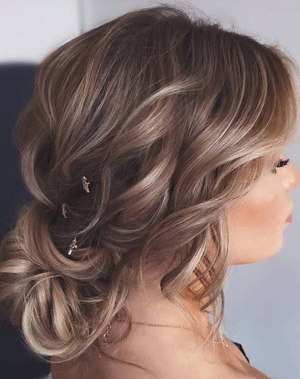 Gorgeous Soft Updo Hairstyles for Women