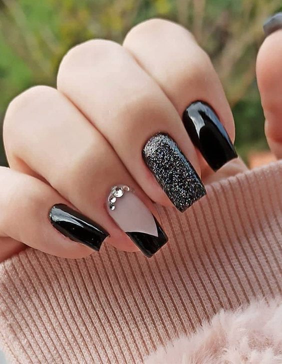 Brilliant Nail Style & Edgy Look for 2021