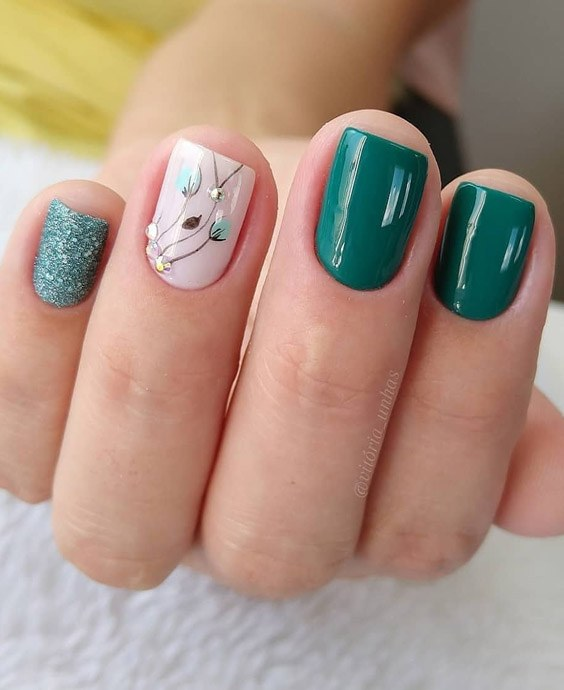 Awesome 2021 Green Nail Trends for Your Finger