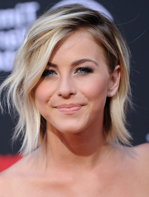 Julianne Hough Cool Short Layered Razor Hairstyle With