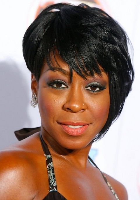 short asymmetrical haircuts for black women tichina arnold black asymmetrical razor cut with 4031 | Tichina Arnold Short Black Asymmetrical Razor Cut with Bangs