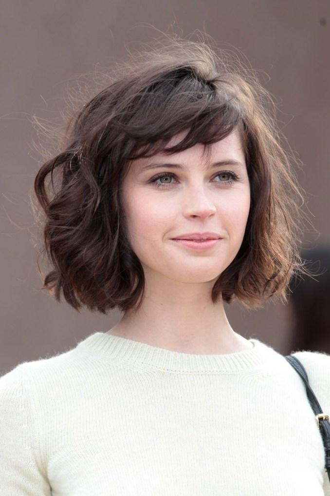 20 feminine short hairstyles for wavy hair: easy everyday