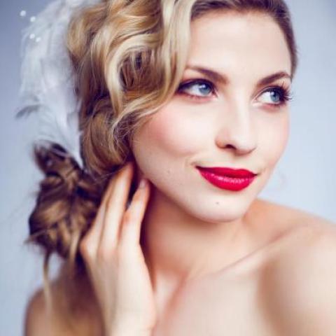 Red Lipstick Makeup Idea for Brides
