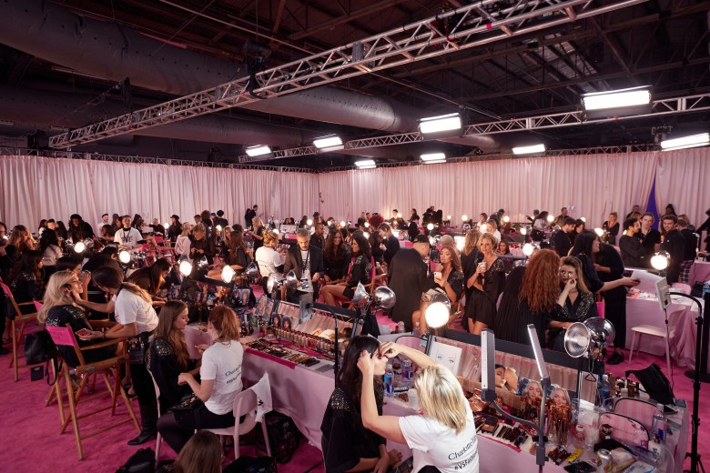fashion-show-2018-backstage-hair-make-up-set-up-victorias-secret-hi-res