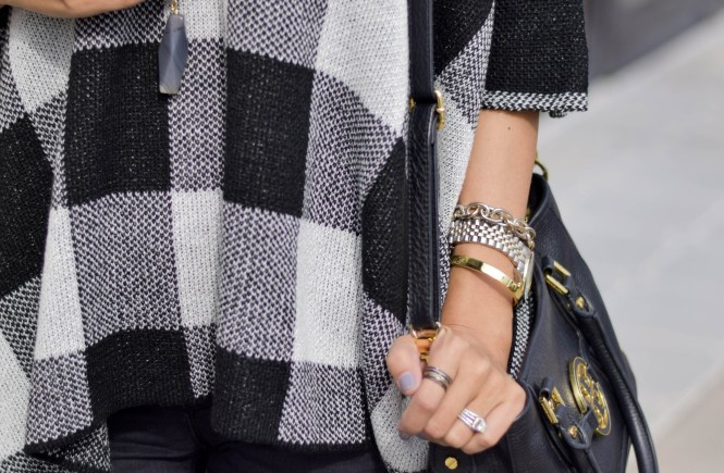 style the girl black and white poncho