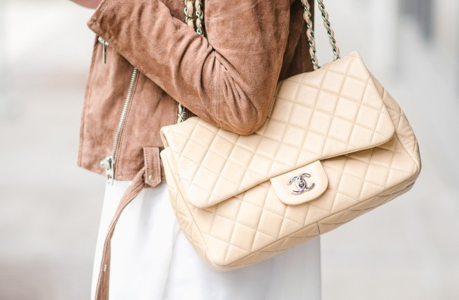 style the girl chanel single flap bag