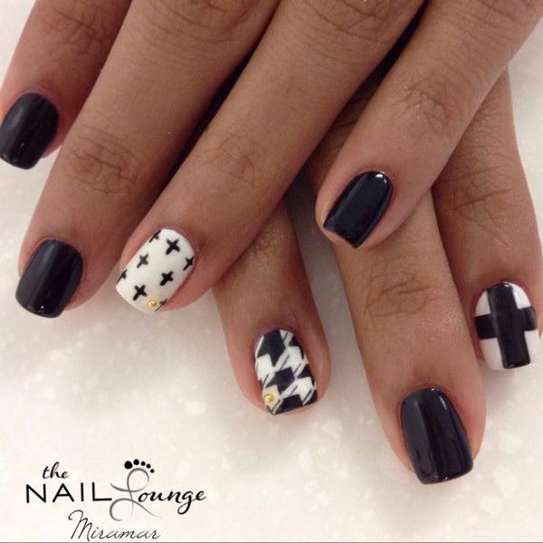 54 black and white nail designs - 80+ Black And White Nail Designs