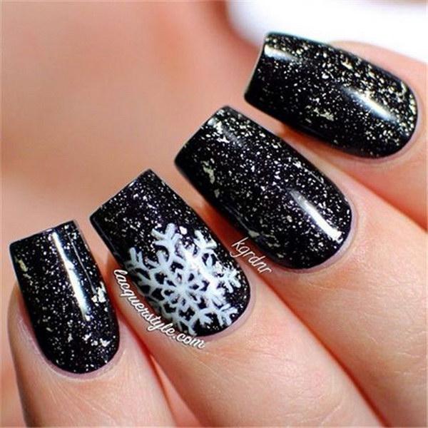 32 christmas nail art designs - 50 Festive Christmas Nail Art Designs