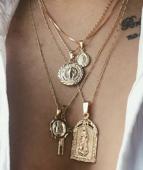 coin necklaces Style Unsettled