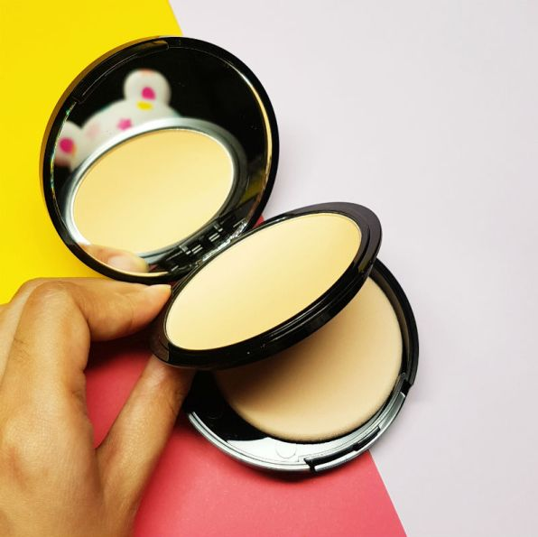 blk all-day matte powder foundation review - packaging