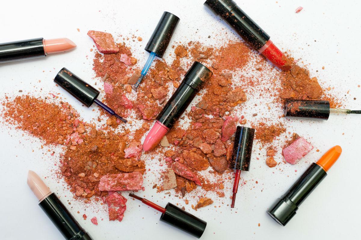 beauty makeup flatlay