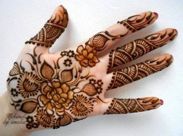 Beautiful Hand Mehndi Designs This Season For Girls