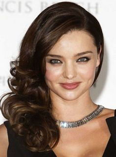 Hollywood Inspired Eid Day Hairstyle Ideas For Girls 5