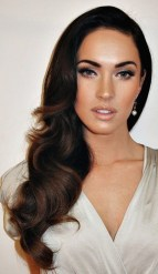 Hollywood Inspired Eid Day Hairstyle Ideas For Girls 8