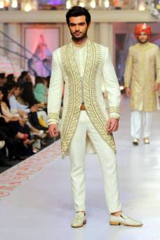Traditional Style Groom & Bridal Wear By Arslan Iqbal 2015-16 4