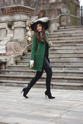 Green Winter Outfits To Try This Fall Season