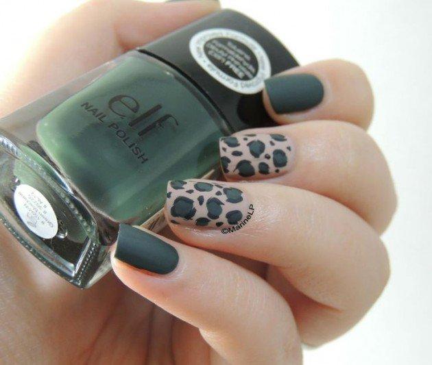 Emerald nail art
