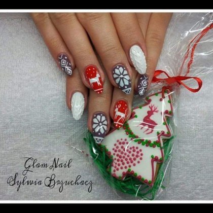 Textured Christmas Nail Art Ideas You Should Have This Season