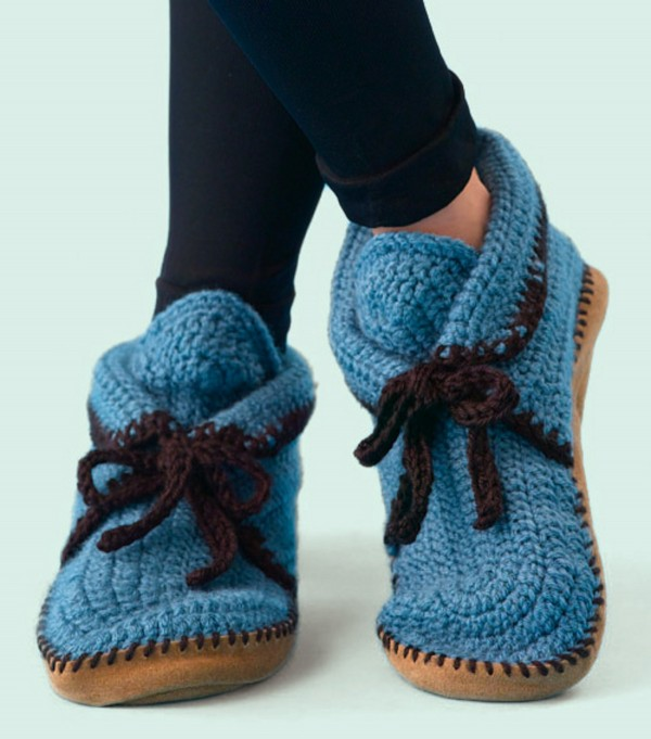 Baby Crochet Shoes That Are Made From Hand