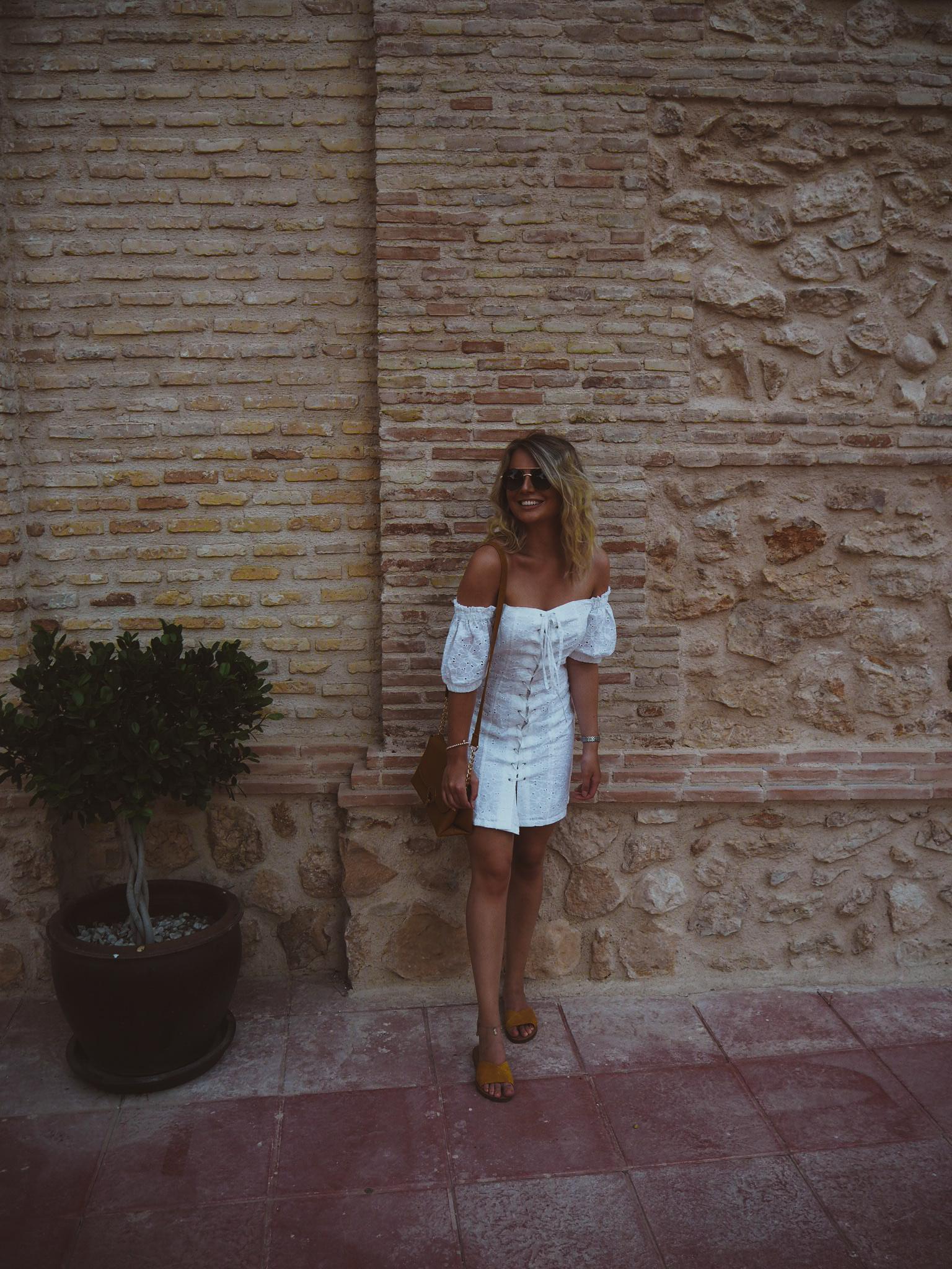 fashion blogger, asos white broderie dress, marks and spencer ochre sandals, primark ochre bag, travel blogger