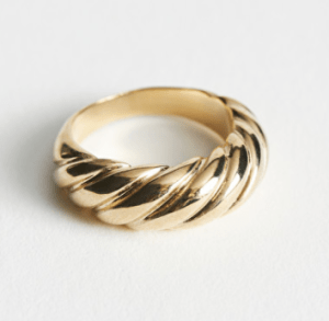 Twisted Sphere Ring