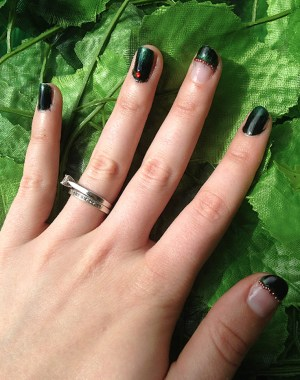 Poison Ivy Nails Feature Image