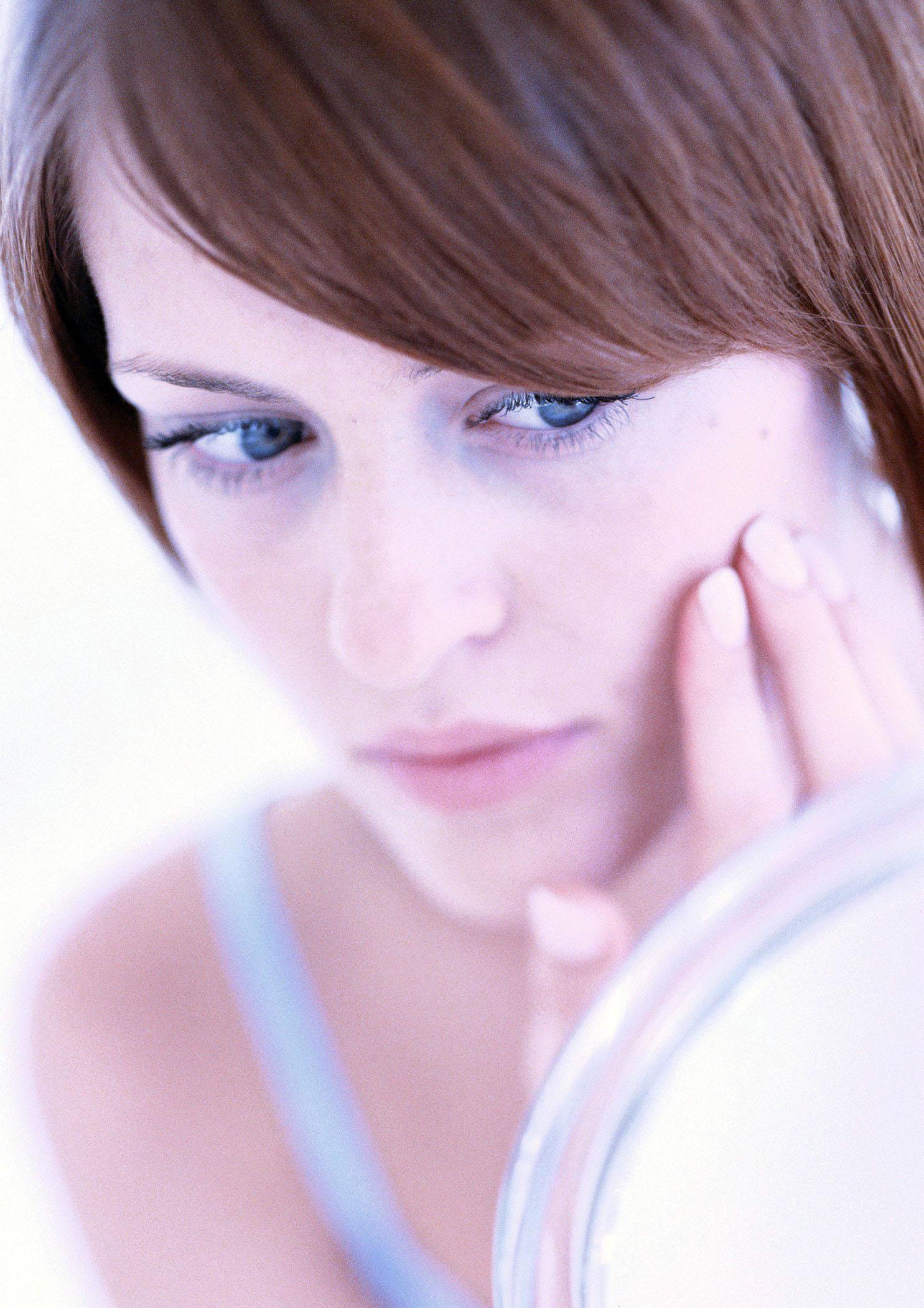 """Wenn Akne die Haut """"blühen"""" lässt, kann auch ein Zinkmangel dahinterstecken - Akne"""