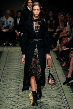 burberry-ready-to-wear-spring-2017