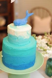 Omre teared cake with fondant whale