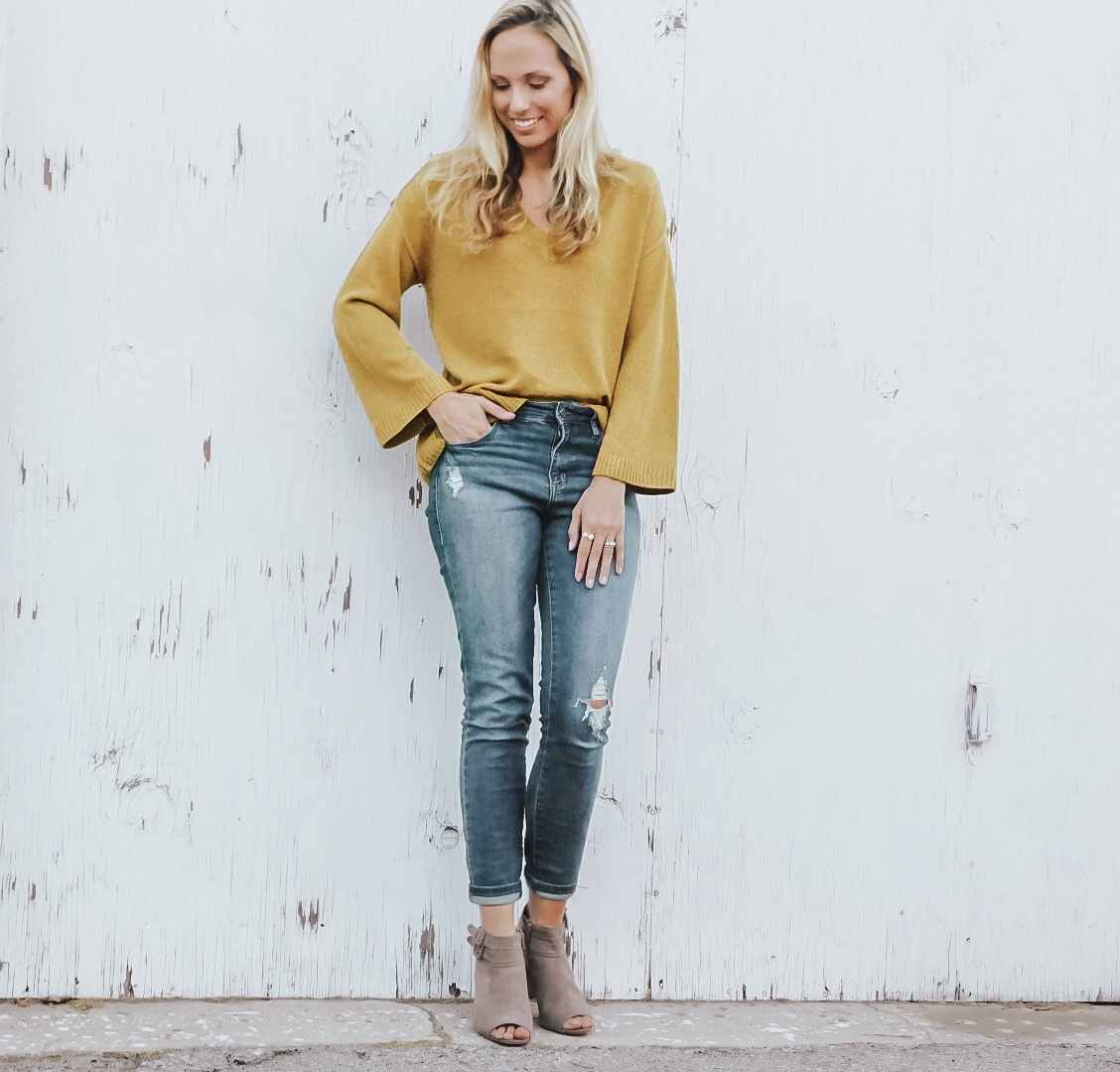 It's Finally Fall – Mustard Sweater and Jeans