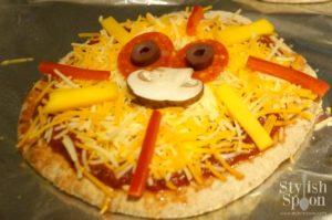Kids Parties :: Jungle Theme Lion Pita Pizzas - Stylish Spoon